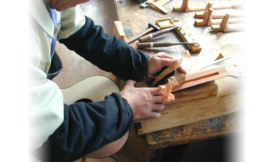 handmade_guitars